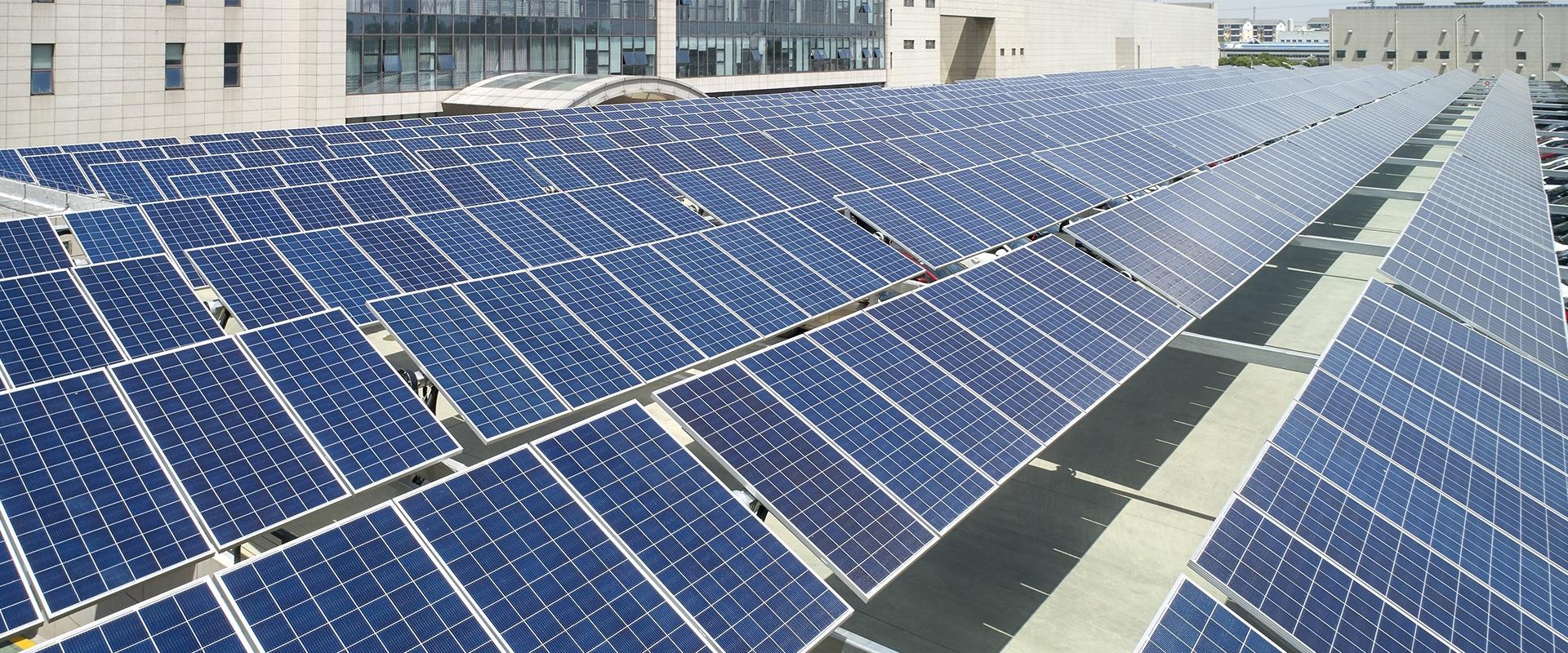 Il grande ritorno dell'elettricità: pompe di calore, impianti fotovoltaici, veicoli elettrici