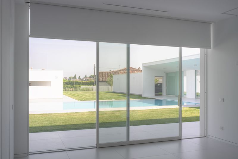 Rationalism and sustainability for a private villa in the lower Verona area